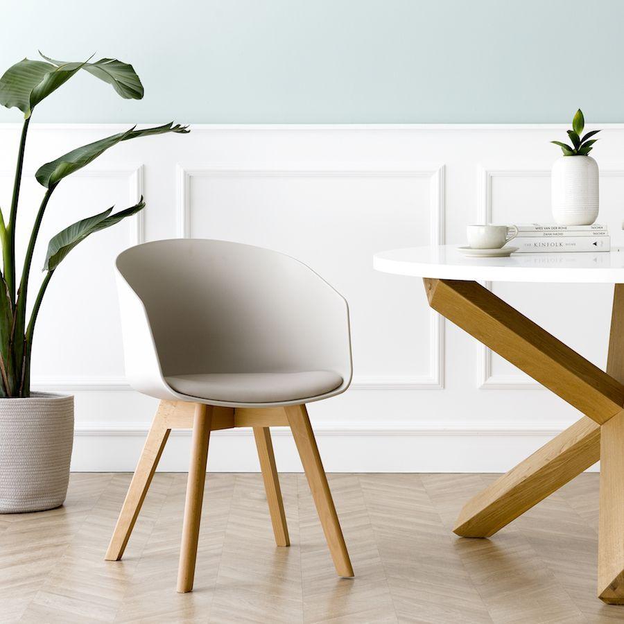 Scandinavian cadeira neutra
