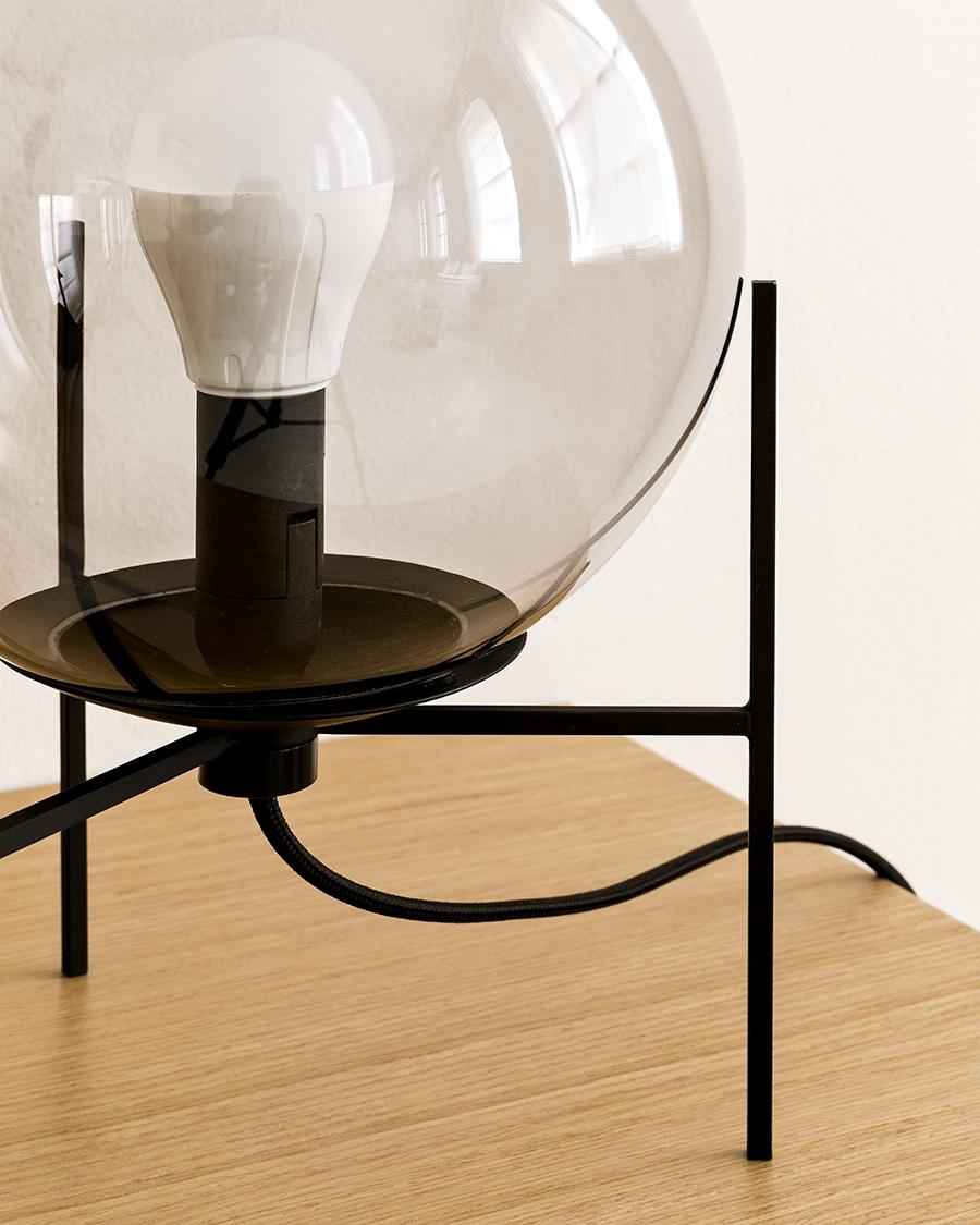 Care lámpara de sobremesa